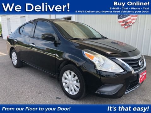 Pre-Owned 2015 Nissan Versa 1.6 SV FWD 4D Sedan