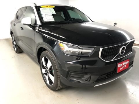 Pre-Owned 2019 Volvo XC40 Momentum AWD 4D Sport Utility